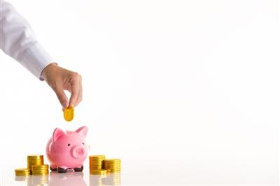 お金をコツコツ貯める貯金箱
